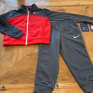 NEW Nike Kid's 2pc Jacket and Joggers Set